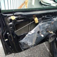 車のドアが開かない