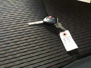車内に取り残された鍵
